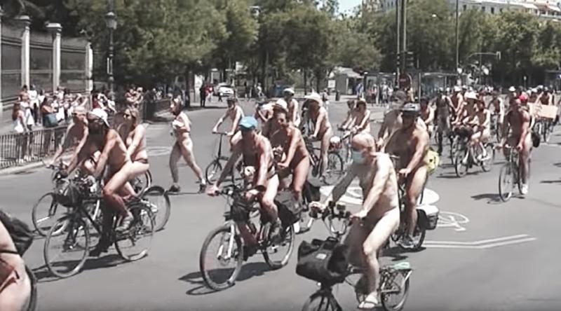 La Ciclonudista en Barcelona